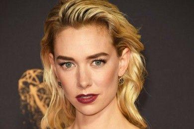 7 Makeup dan Gaya Rambut Terbaik Di Emmy Awards 2017
