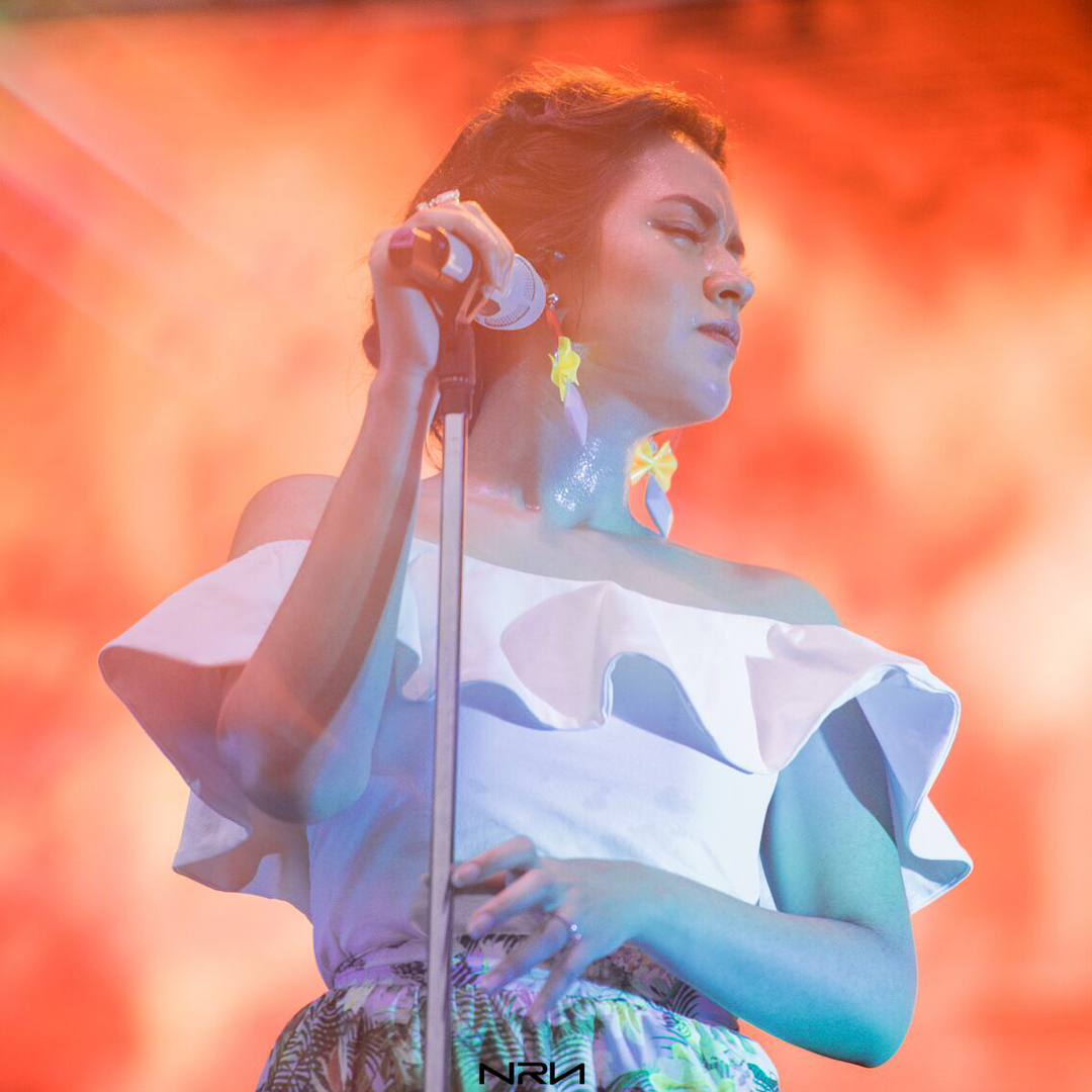 Dari Tulus, Raisa sampai Agnez Mo, Ini Ritual Aneh Penyanyi Indonesia Sebelum Naik Panggung!