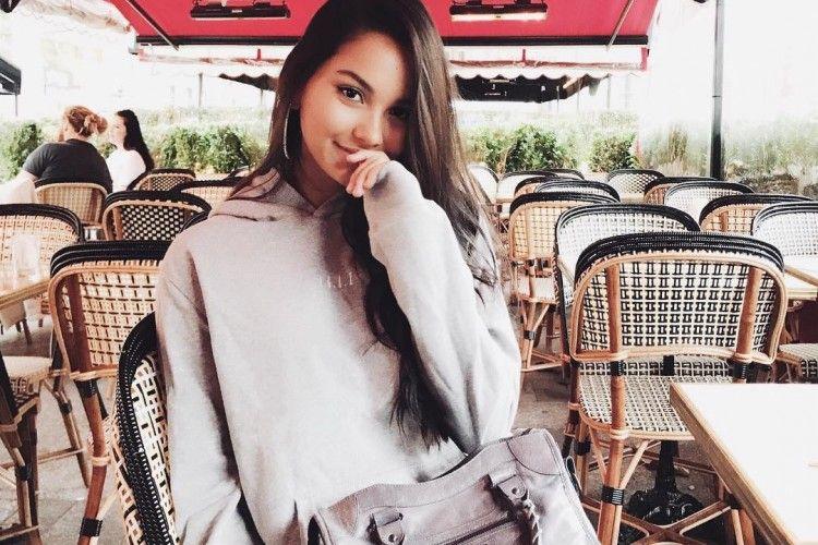 Tinggal di Paris, Gaya Alyssa Daguise Terlihat Chic!