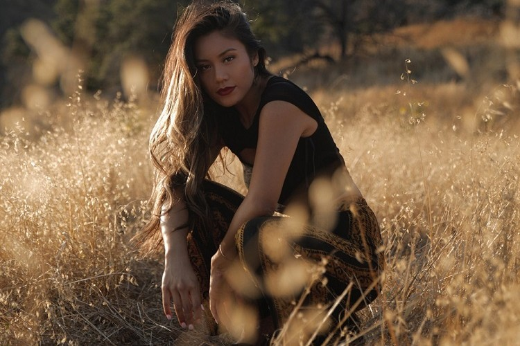 11 Fakta Maharasyi, Penyanyi Indonesia Pertama yang Lolos The Voice Amerika!