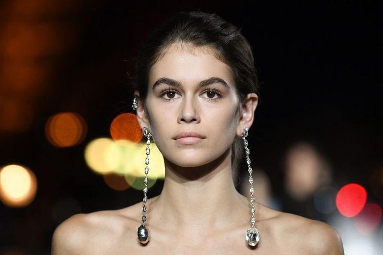 Ini 7 Aksesori Paris Fashion Week yang Paling Menawan