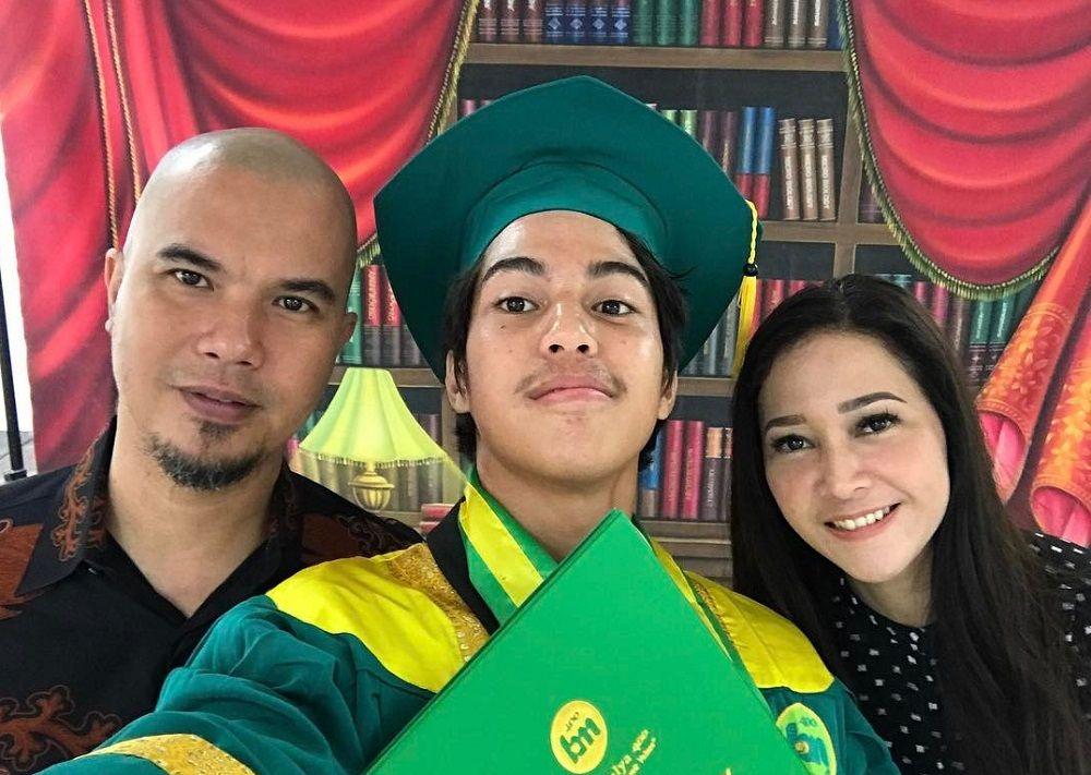 Ternyata Ini Alasan Kenapa Seleb Indonesia Memilih Kuliah di Inggris