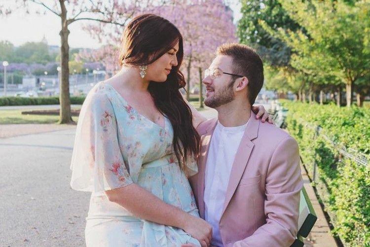 Punya Istri Bertubuh Berisi, Tulisan Romantis Pria Ini Viral