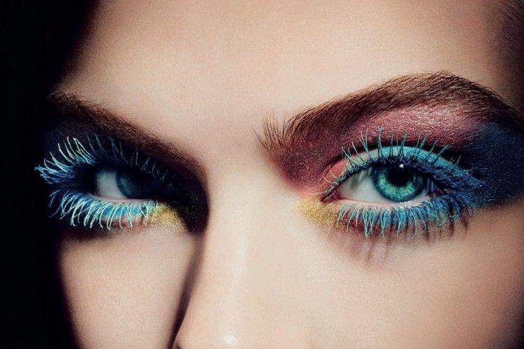 Bikin Makeup Mata Lebih Menarik dengan Maskara Berwarna