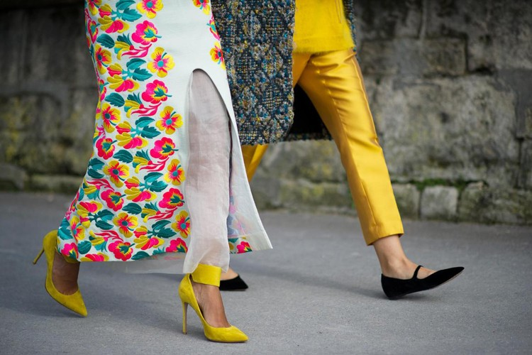 Bikin Gaya ke Kampus Makin Keren, Ini 4 Sepatu yang Wajib Kamu Punya