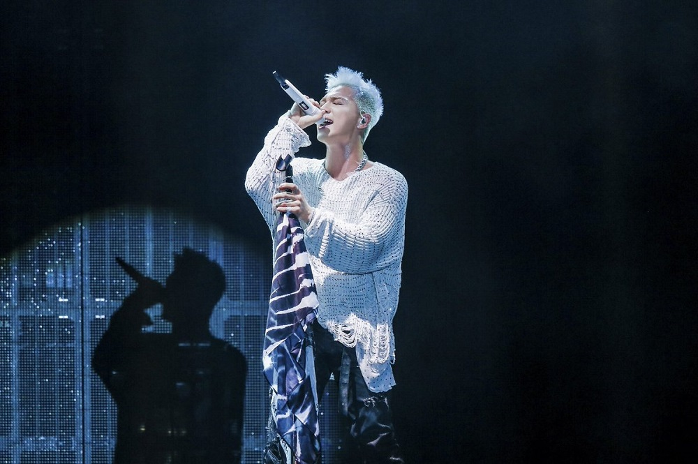 taeyang-tour-photos-white-night-in-japan-1-3ec5755a8f793e8523d7dc6ac2b32423.jpg