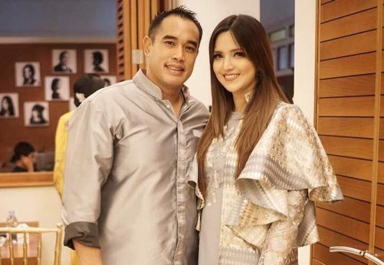 7 Cara Artis Indonesia Rayakan Ulang Tahun Pernikahan di Instagram