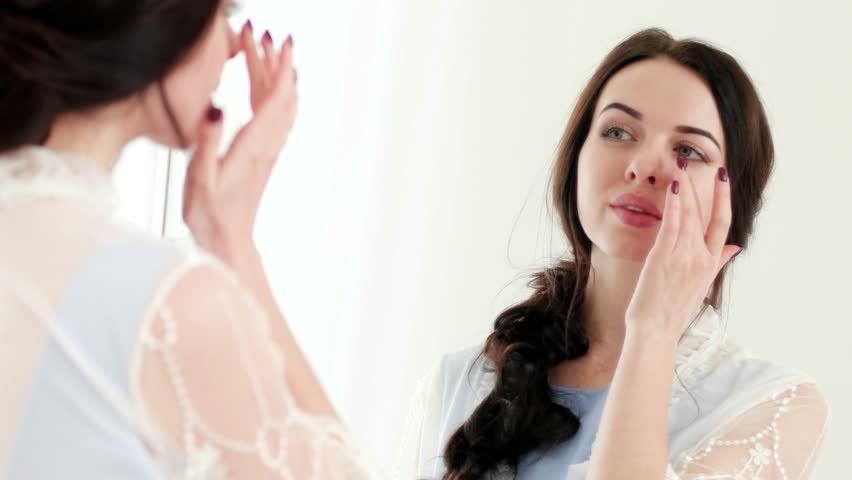 Perhatikan 4 Hal ini Agar Makeup Tahan Lama Hingga Malam Hari