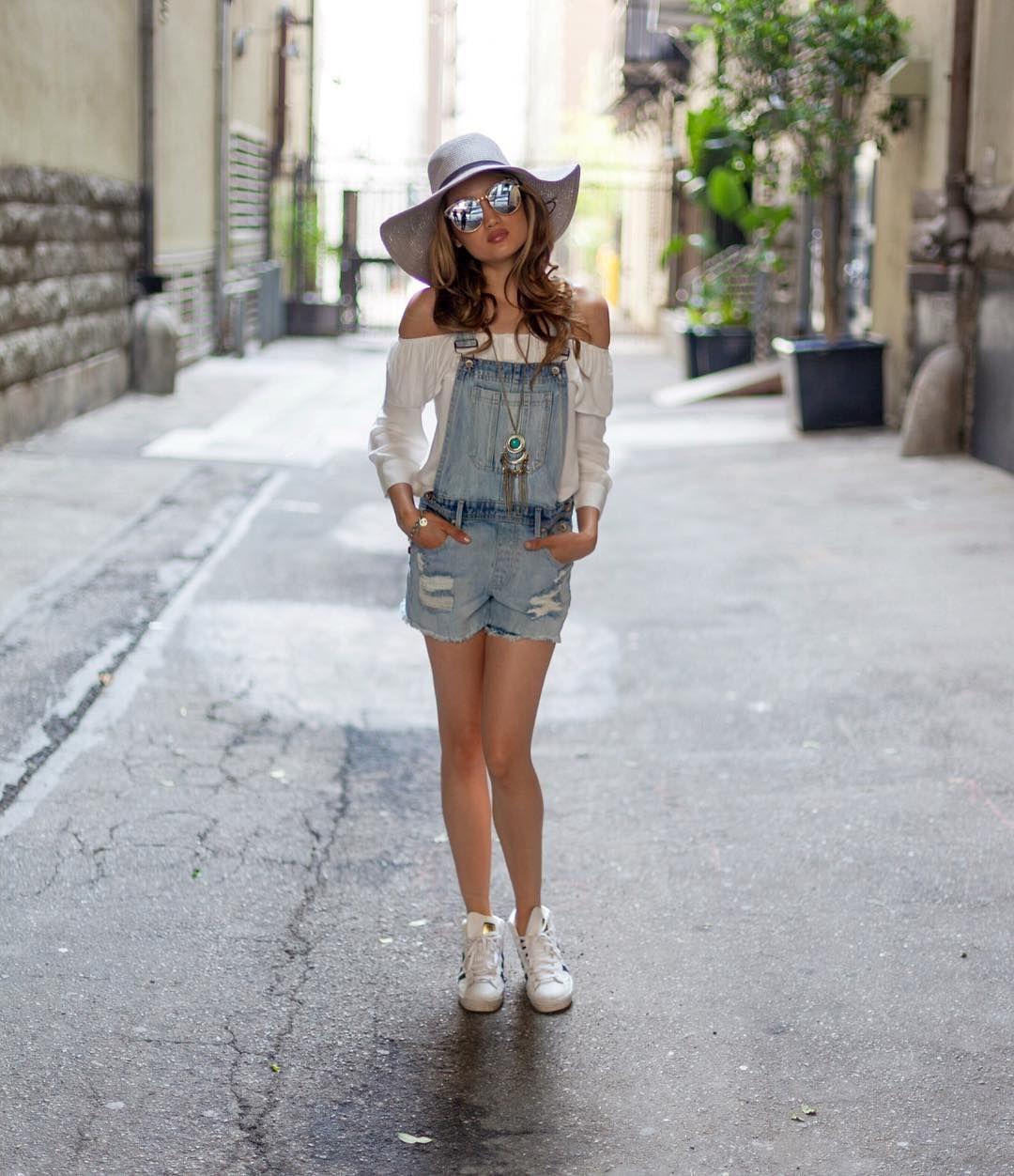 Biar Baju Putihmu Nggak Terlihat Boring, Intip Tipsnya Di Sini Yuk!