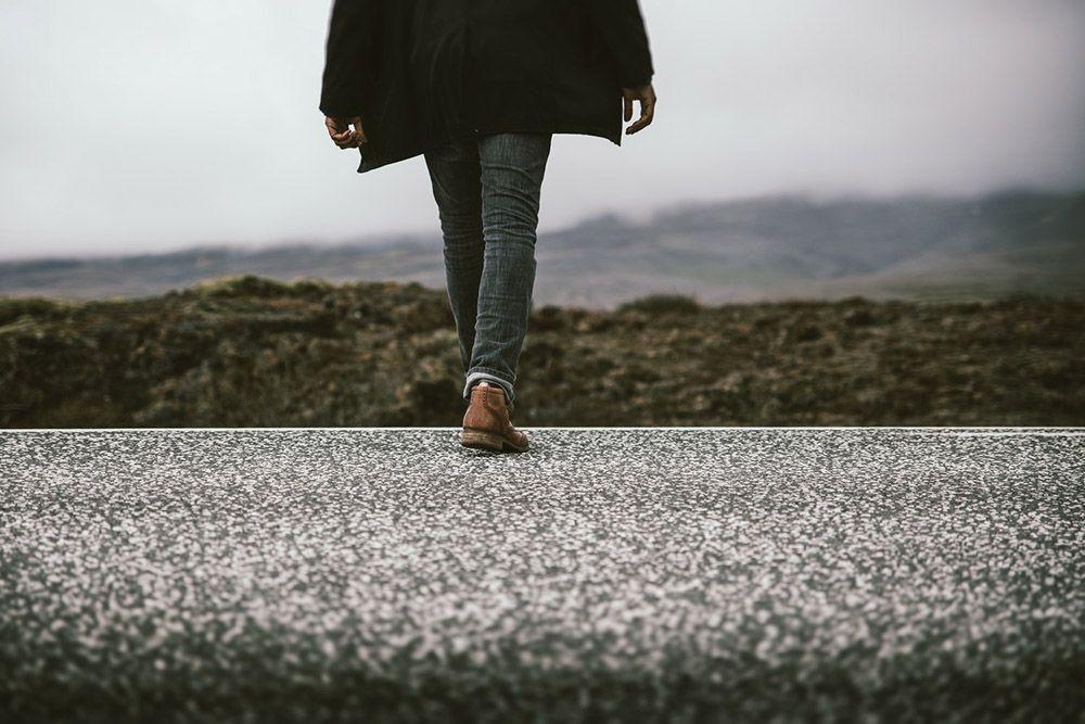 5 Cara Mengenali Karakter dan Kepribadian Seseorang dari Cara Berjalannya