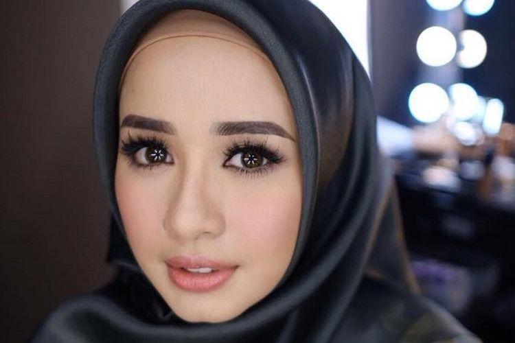 Ikut Suami, 8 Artis Indonesia Ini Memilih Tinggal di Luar Negeri