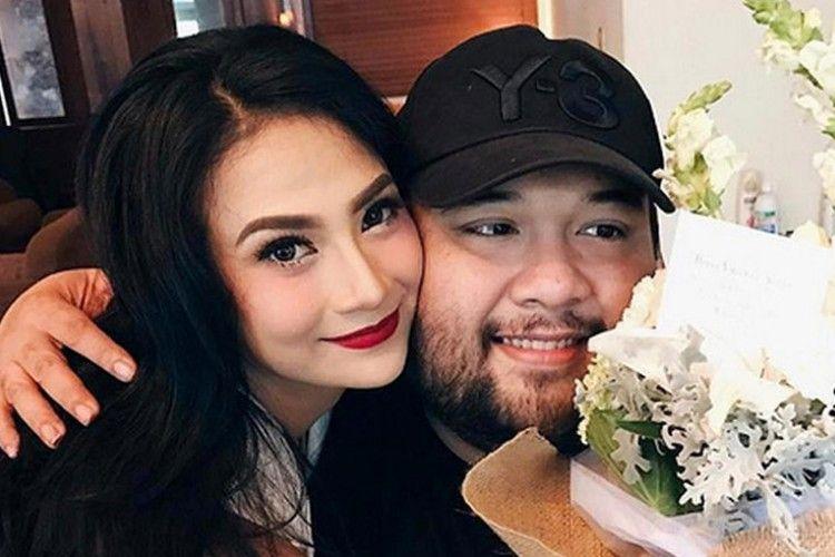 Pisah Setelah Pernah Bersama, 3 Pasangan Ini Saling Sindir di Media Sosial