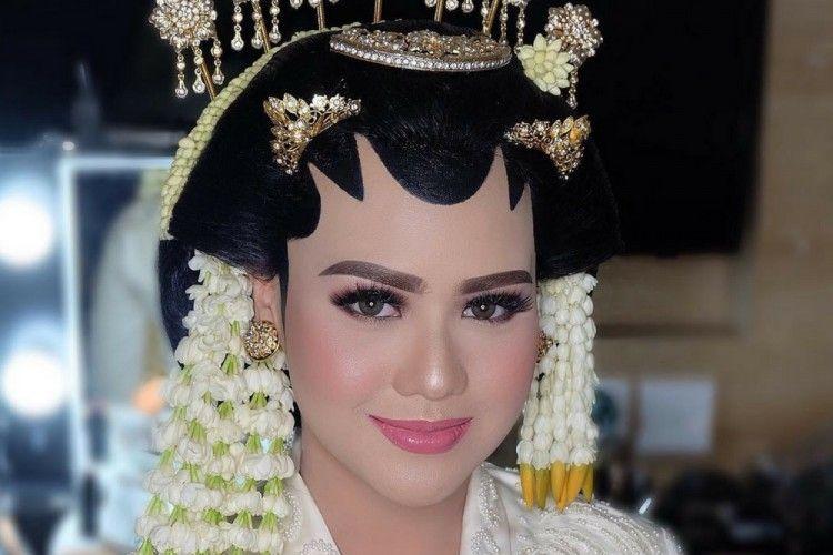 8 Inspirasi Makeup Pengantin Adat Jawa ala Artis