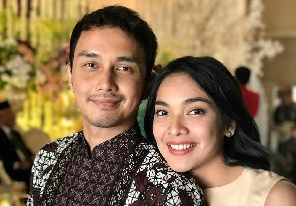6 Artis Indonesia Ini Menemukan Jodohnya di Lokasi Syuting