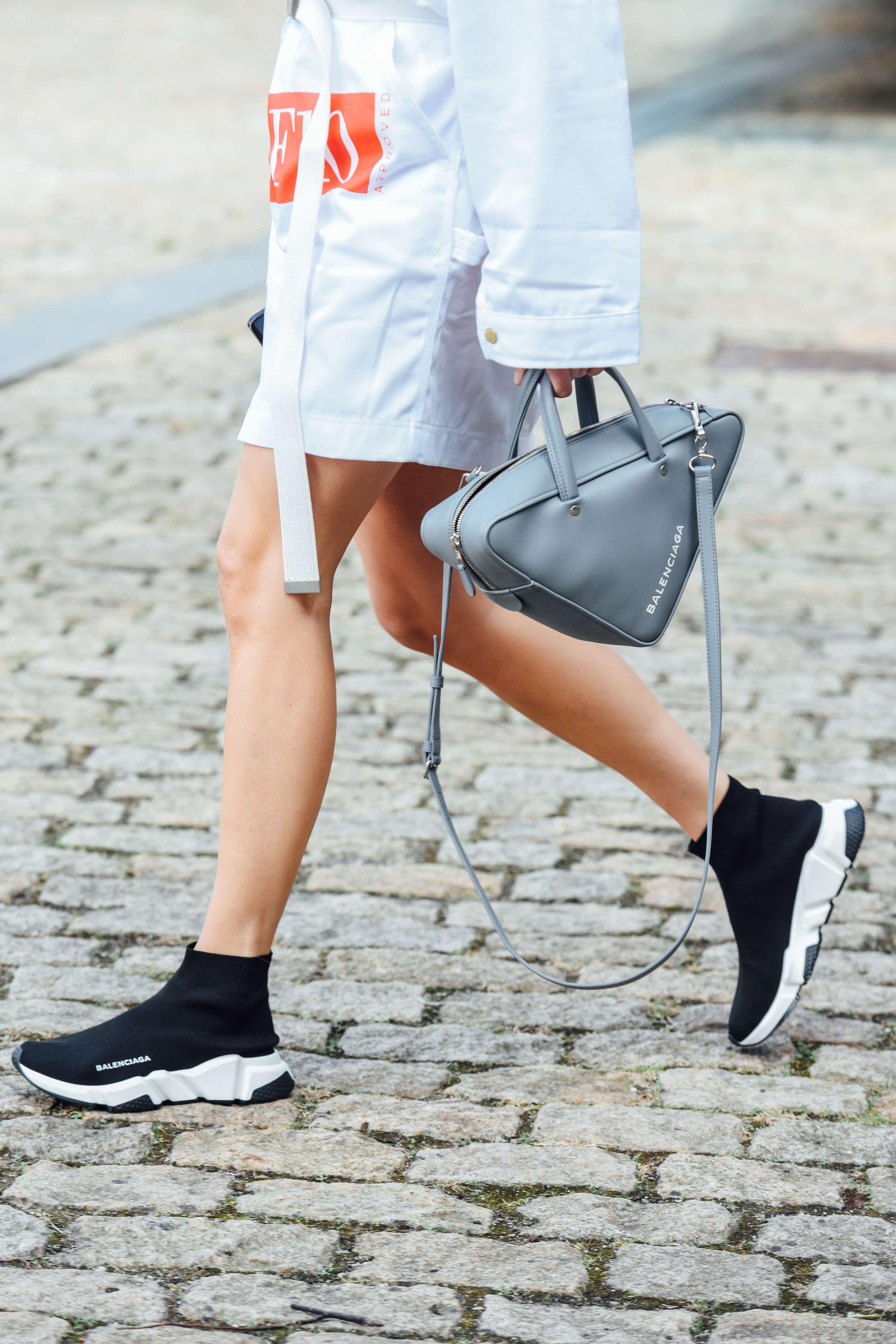 5 Sneakers yang Paling Hits di Kalangan Millennials
