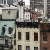 Sedang Musim Hujan dan Terjebak di Suatu Tempat? Lakukan Hal Ini