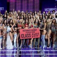Momen Seru di Victoria's Secret Fashion Show 2017