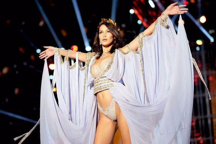 Ingin Perut Rata Seperti Model Victoria's Secret? Intip 5 Rahasianya!