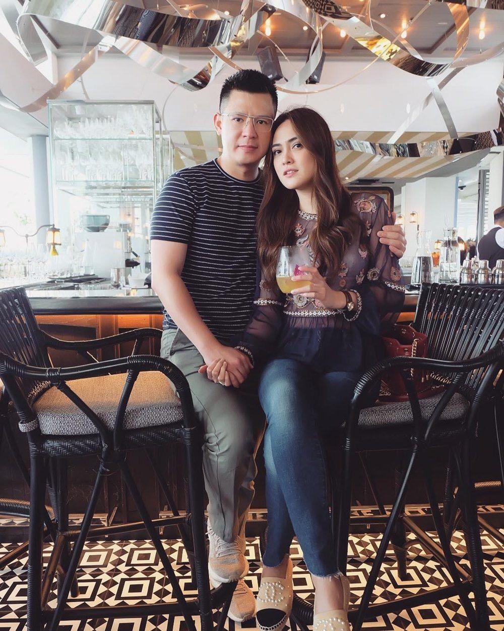 Meski Belum Punya Anak, 7 Pasangan Ini Selalu Tampil Mesra