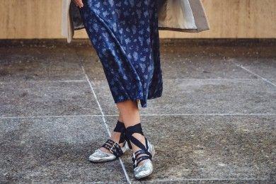 5 Tips Memilih Sepatu Nyaman ke Kampus