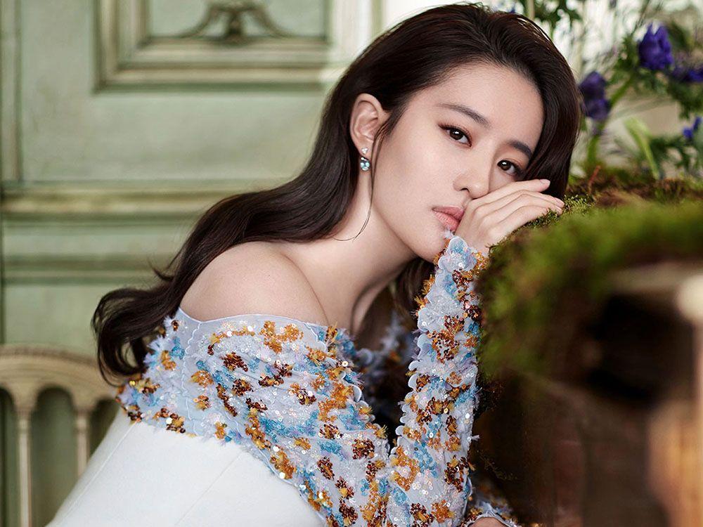 Terpilih Perankan Tokoh Mulan, Aktris Asal Tiongkok Ini Kalahkan 1.000 Kandidat!