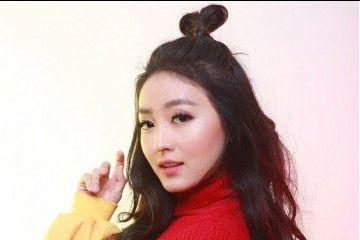 5 Gaya Rambut a la Natasha Wilona Bikin Penampilan Feminin Banget, Contek Yuk!