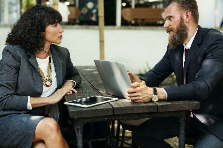 5 Cara Ciptakan Kenyamanan dengan Rekan Kerja di Kantor