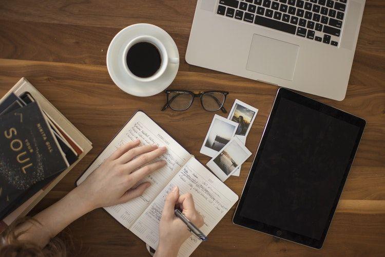 12 Tips Agar Tidak Terpengaruh Teman Kerja yang Pemalas