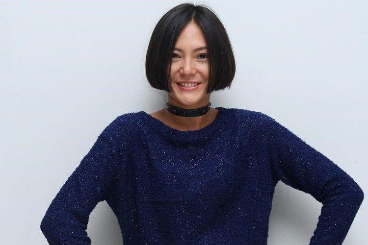 7 Gaya Rambut Pendek Poppy Sovia yang Edgy Banget