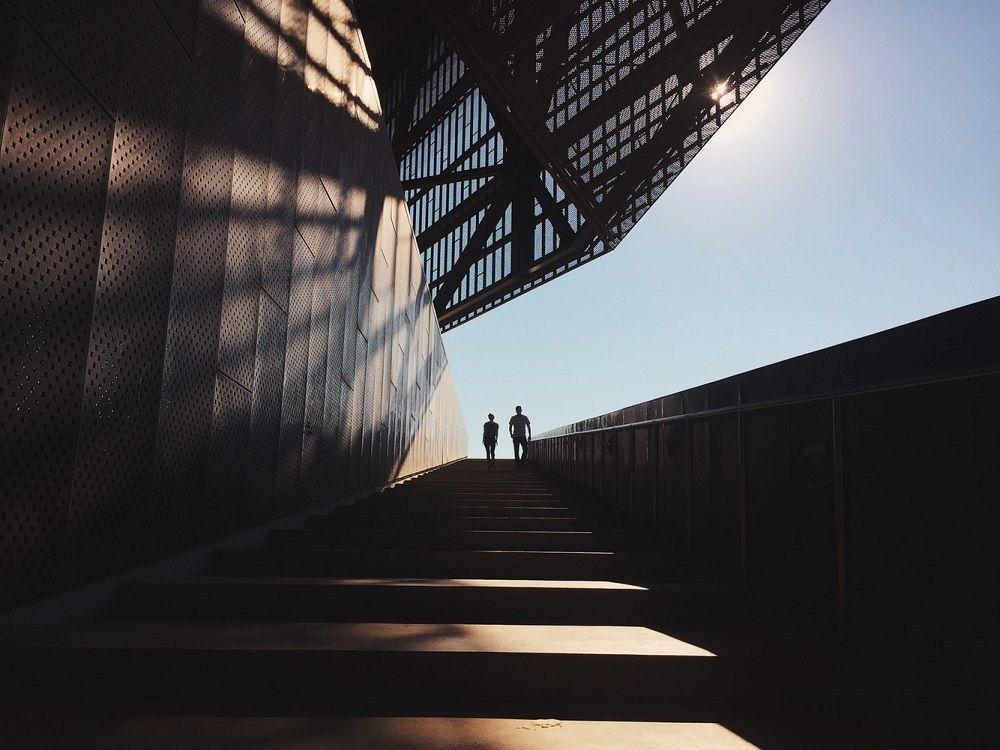Menghadapi Relasi Bisnis yang Kejam? Ini Lho yang Biasanya Kamu Rasakan