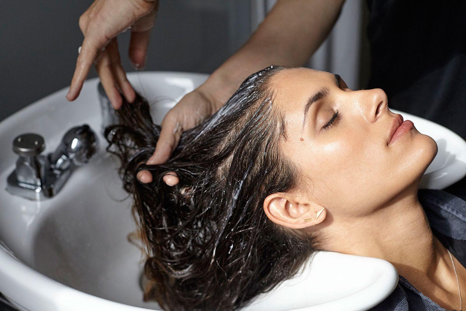 large-hairstory-new-way-to-wash-shampoo-1-0df13269eb8d67e9636996a1ed535851.jpg