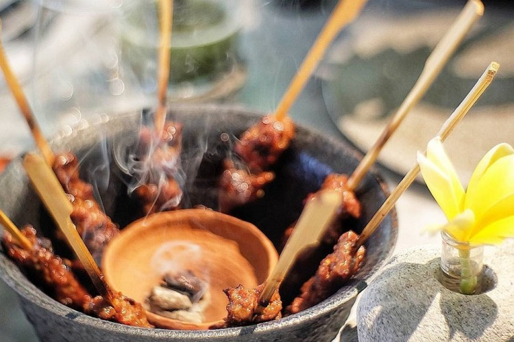 Meski Termasuk Mewah, Restoran Ini Benar-Benar Jaga Cita Rasa Masakan Indonesia