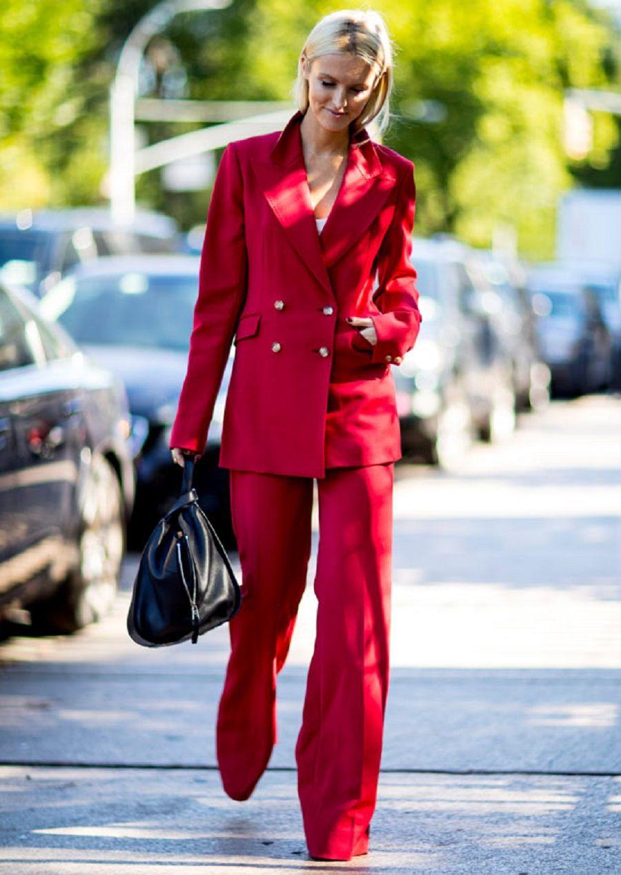 Model Fashion Atasan Biru akan membuat kamu semakin cerah dan manis