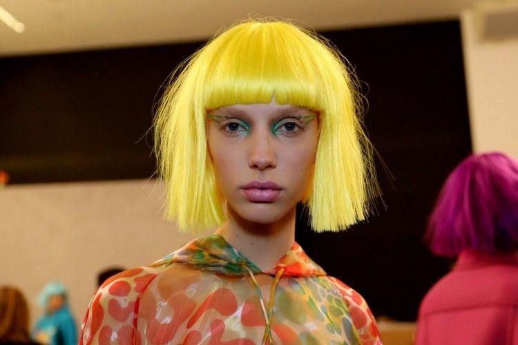 Ini Deretan Makeup Unik dan Keren dari New York Fashion Week 2018