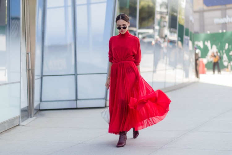 #PopbelaOOTD: 9 Dress Menawan yang Cocok Kamu Pakai untuk Imlekan