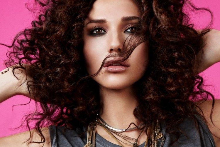 7 Cara Cepat dan Mudah Memperbaiki Rambut Rusak