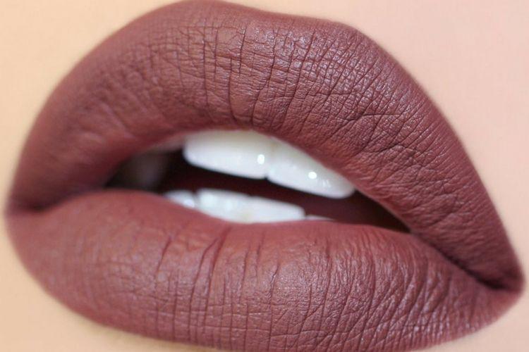 Biar Nggak Salah Beli, Kenali 7 Jenis Lipstik di Sini!