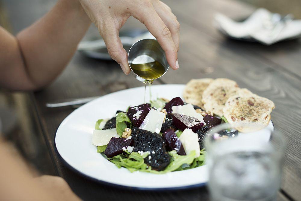Kebiasaan Menaruh Makanan di Piring Bisa Mencerminkan Karakter