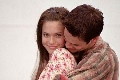 9 Alasan Kenapa Kamu Masih Suka Ingat Cinta Pertama