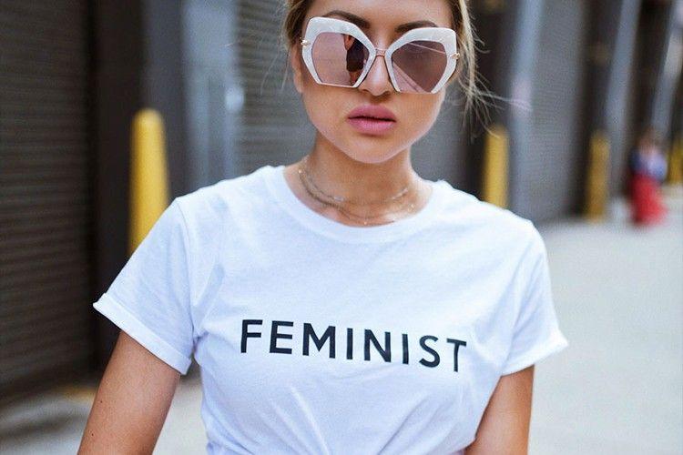 #PopbelaOOTD: T-shirt Slogan yang Punya Pesan Empowering