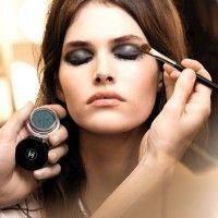 9 Rutinitas Kecantikan Ini Nggak Boleh Terlalu Sering Dilakukan