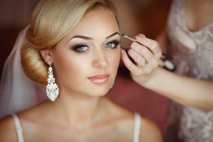7 Inspirasi Tutorial Makeup Pengantin yang Wajib Kamu Coba