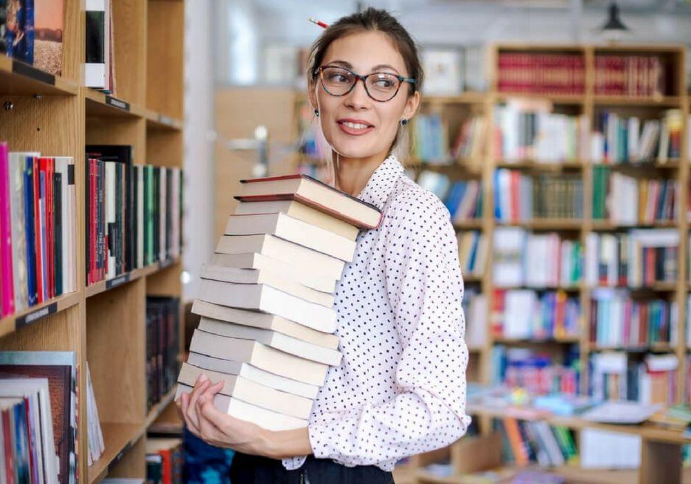 Deretan Pekerjaan yang Cocok Buat Si Kutu Buku