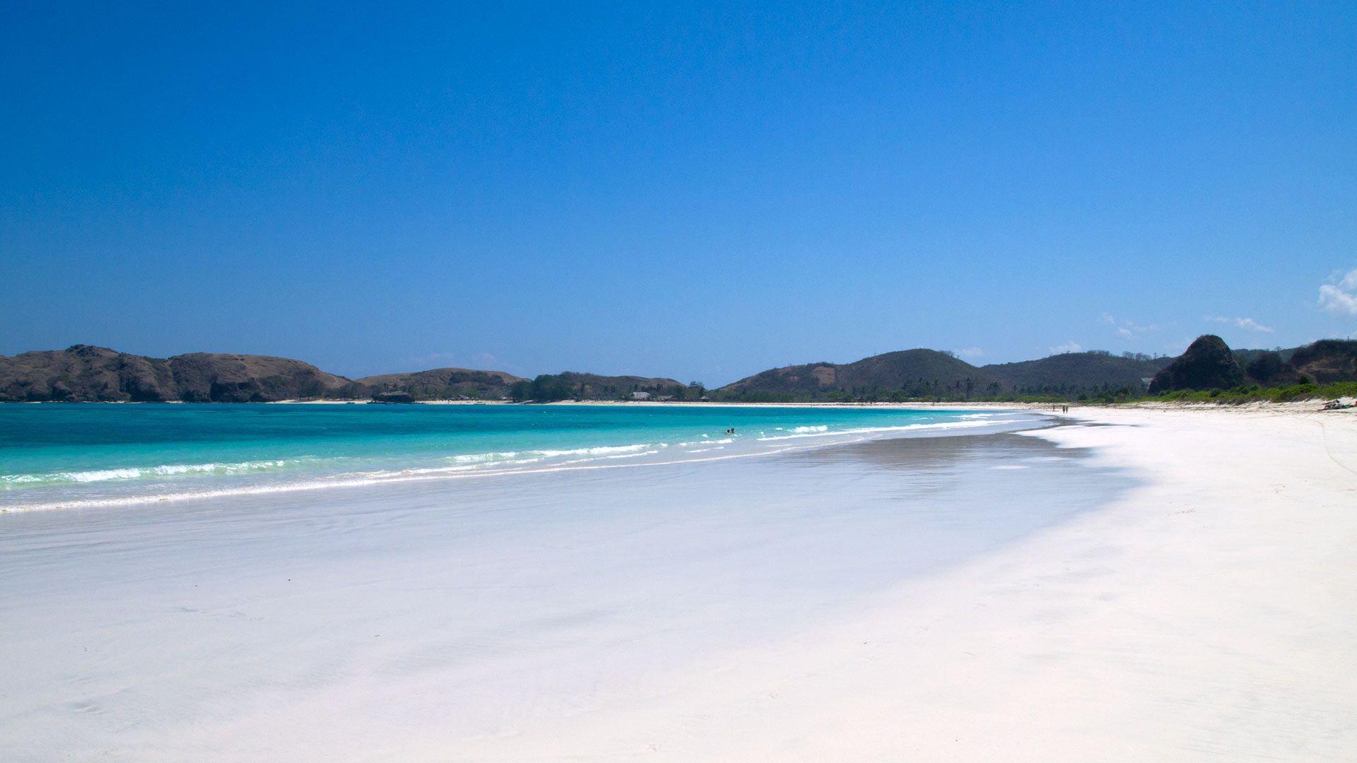 lombok-beaches-tanjung-aan-03-2da796637cbe5b6fece1d8ade4d56780.jpg