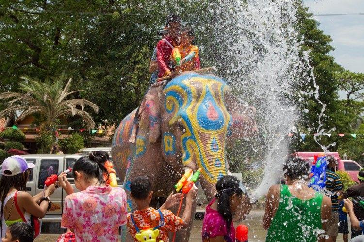 5 Keseruan yang Bisa Kamu Lakukan di Festival Songkran Thailand
