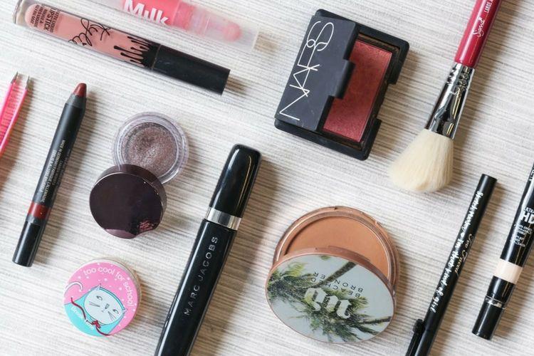 Lawan Cuaca Panas dengan 7 Makeup Item Ini Yuk