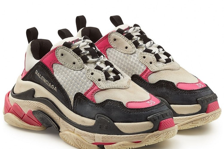 5 Sneakers Pink Yang Wajib Masuk Dalam List Shopping Kamu