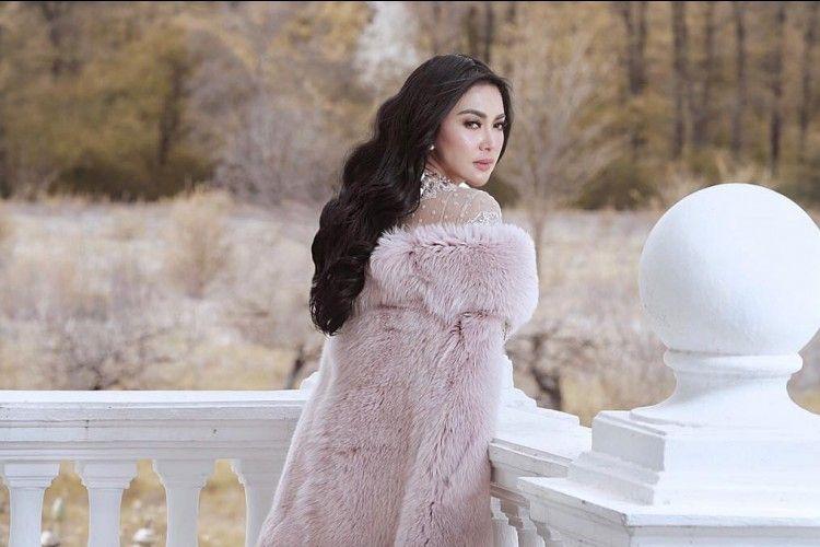 Bikin Bangga, 5 Artis Hollywood Ini Pernah Puji Penyanyi Indonesia!