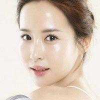 7 Cara Dapatkan Wajah 'Glass Skin' a la Cewek Korea
