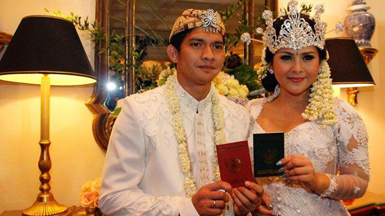 Syahnaz dan 6 Artis yang Tampil Menawan dalam Pernikahan Adat Sunda